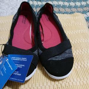 NWT Ladies Champion Shoes